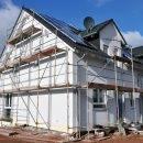 Bild von eingerüstetem Haus