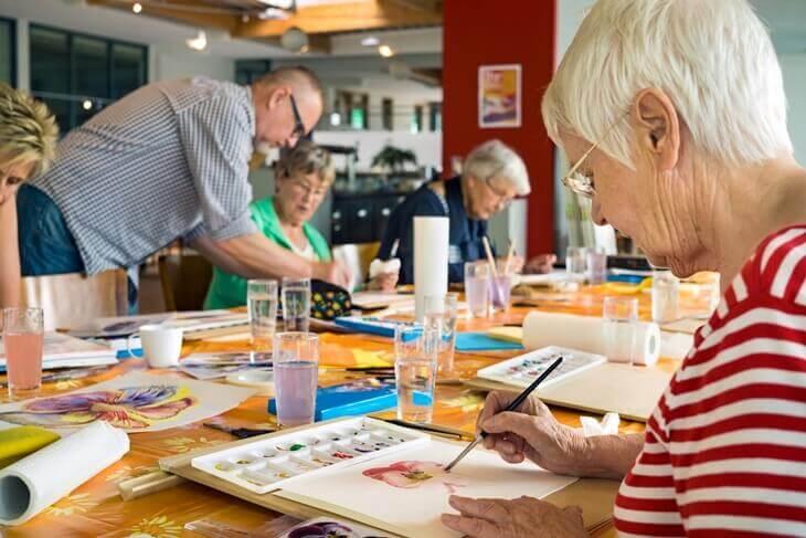 Bild von Senioren beim Malen