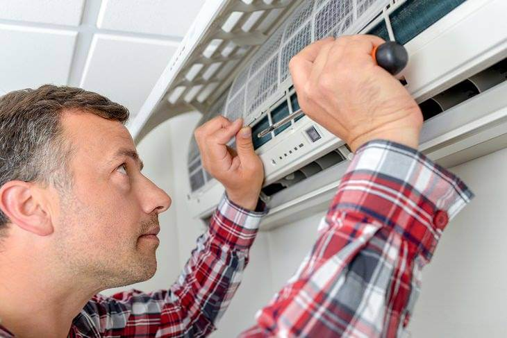 Bild von Installation einer Klimaanlage