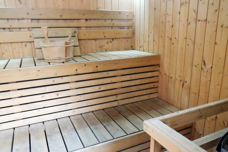 sauna f r zuhause kosten varianten im berblick. Black Bedroom Furniture Sets. Home Design Ideas