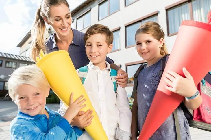 Bild von Kindern mit Schultüte