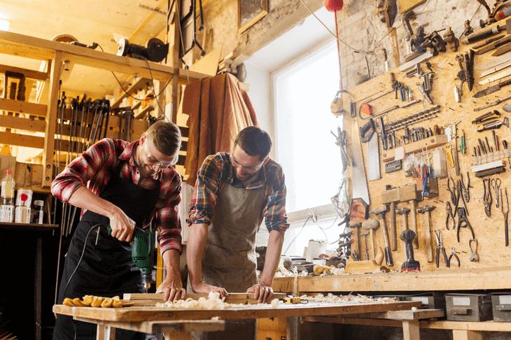 Keine Frage: Holz Ist Wohl Einer Der Beliebtesten Rohstoffe, Wenn Es Um  Inneneinrichtung Geht. Und Trotz Großen Möbelhäusern Und Kostengünstiger ...