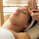 Bild von Kosmetikbehandlung an Augenbrauen